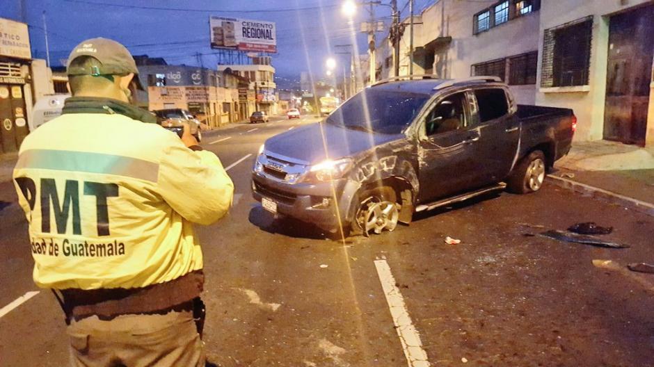 Un accidente de tránsito se registró la madrugada de este sábado en la avenida Petapa. (Foto: @jvelasquez340)