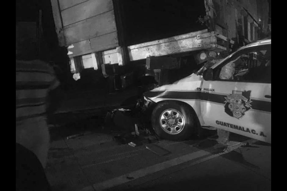 Dos días más tarde murió uno de los bomberos que cubría la emergencia. (Foto: Facebook/Noticias Sin límites)