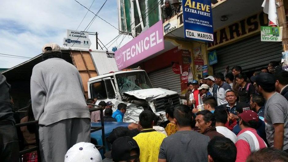 El accidente se registró en el kilómetro 186 de la ruta Interamericana. (Foto: @stereo100Xela)