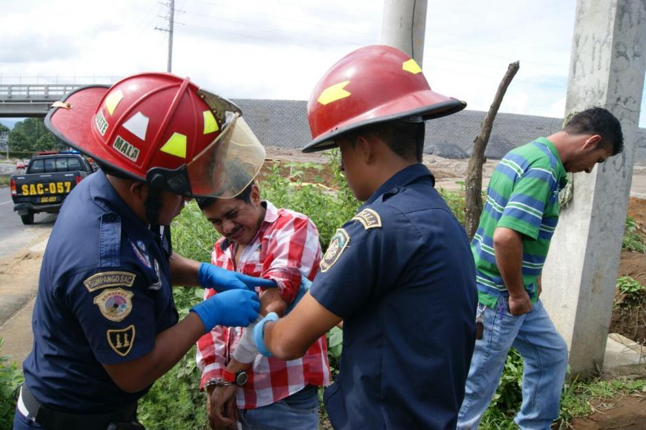 Los pilotos también sufrieron heridas leves. (Foto: Bomberos Municipales Departamentales)