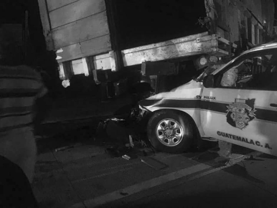 Ambulancia de los Bomberos Municipales Departamentales sufrió accidente de tránsito. (Foto: Facebook/ Noticias sin Límites)