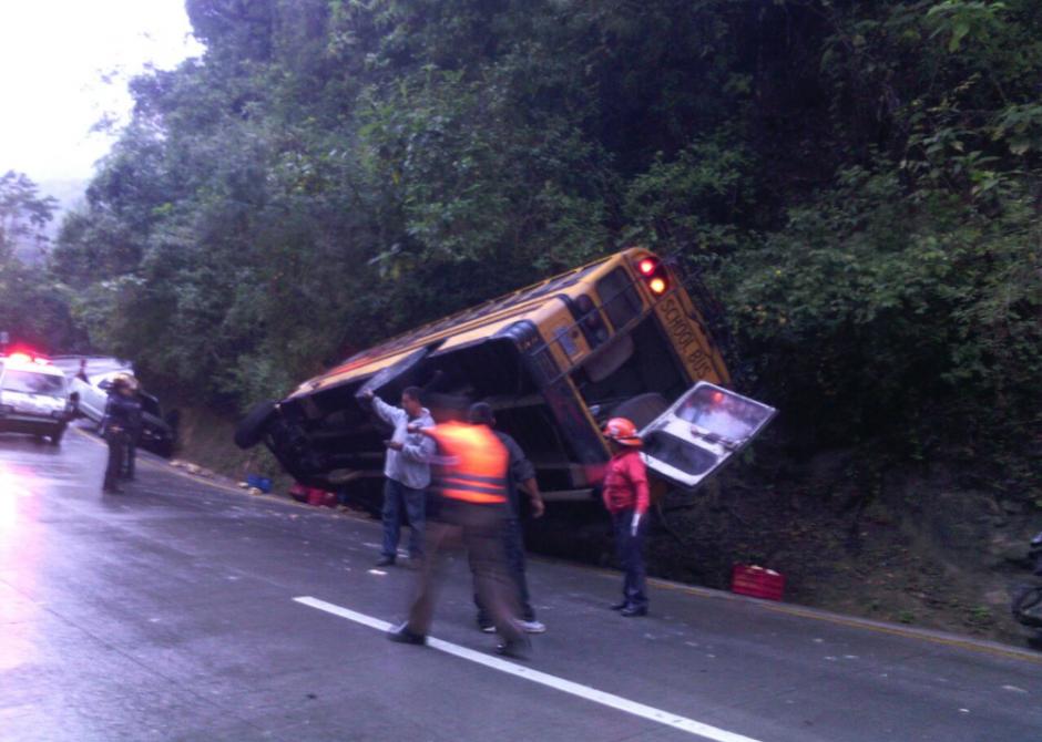 Tres vehículos resultaron involucrados en el incidente. (Foto: Twitter@Provial)