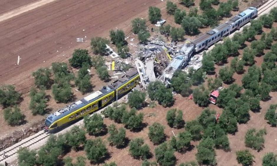 Dos trenes chocaron de frente en Italia. (Foto: AFP)