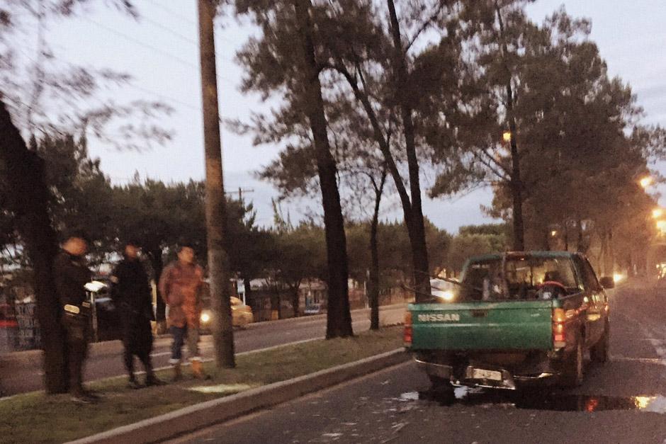 Cuatro vehículos chocaron en el Periférico, en el trayecto que conduce del puente El Naranjo hacia el puente de Villa Linda. (Foto: InfoTráficoGT/Twitter)