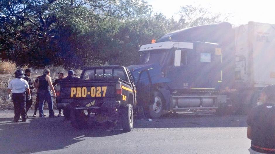 El piloto de la patrulla murió, el copiloto se encuentra grave en un hospital. (Foto: PNC)