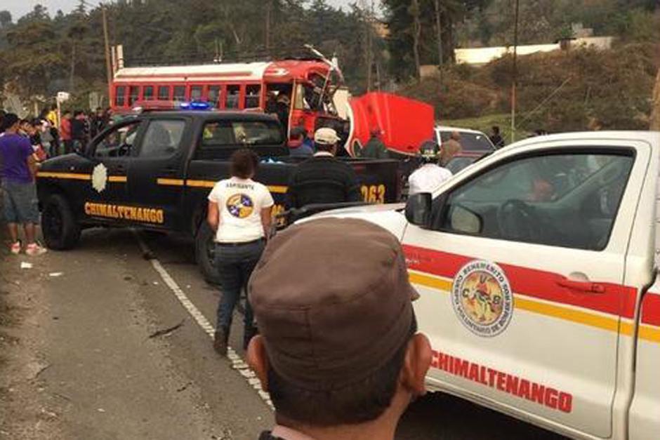Otro percance vial ocurrió en el kilómetro 58 en donde un autobús chocó contra un camión. (Foto: @CBMDEPTAL)