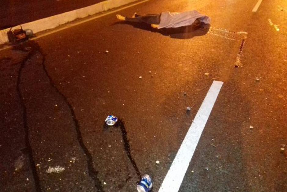 En el lugar permanece el cuerpo de la mujer de aproximadamente 25 años. (Foto: Dalia Santos/PNC)