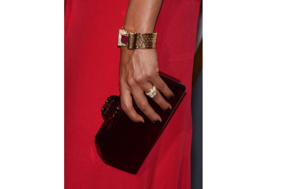 Los anillos que lució son de la linea Winston Cluster. (Foto: AFP)