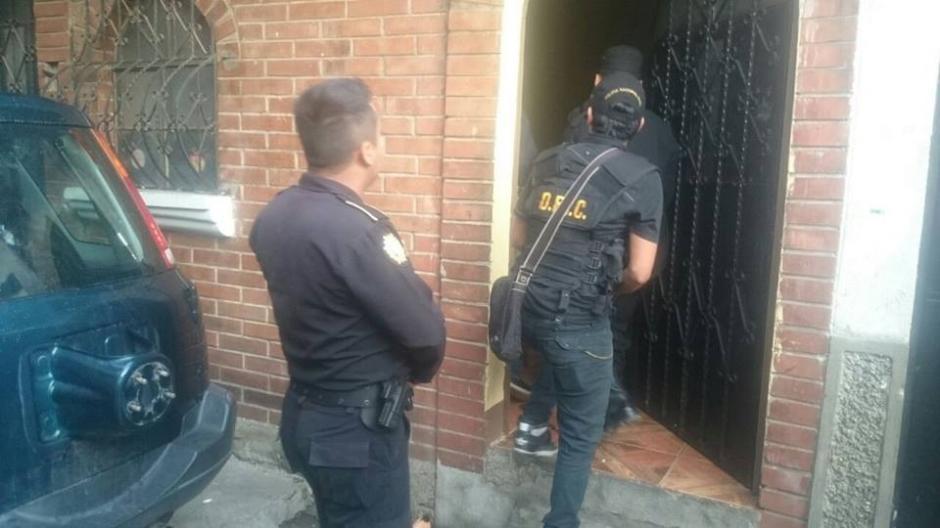 Los capturados son sindicados de cometer delitos relacionados con extorsiones. (Foto: PNC)