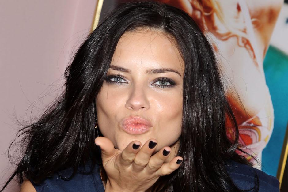 Adriana Lima es una modelo brasileña de 35 años. (Foto: adrianalimablog.com)