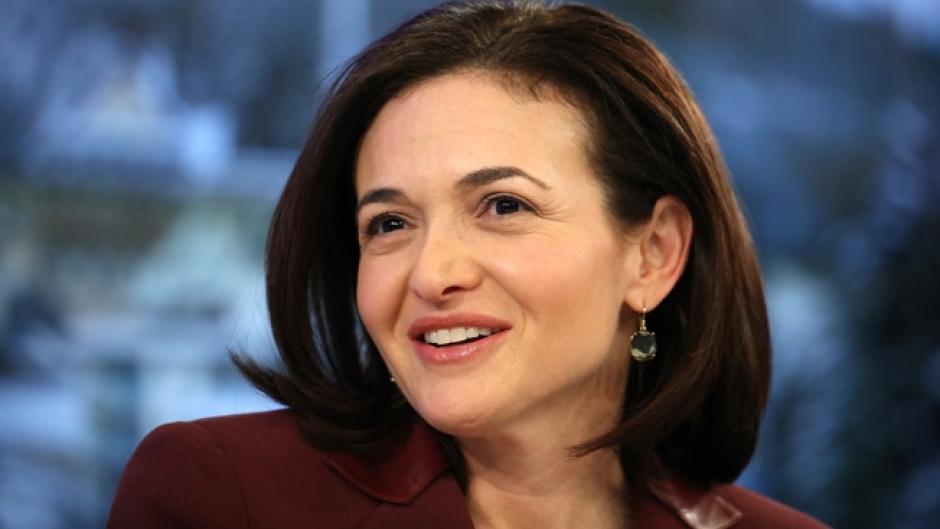 Sheryl Sandberg es una economista, autora y directora ejecutiva estadounidense de Facebook. (Foto: adweek.com)