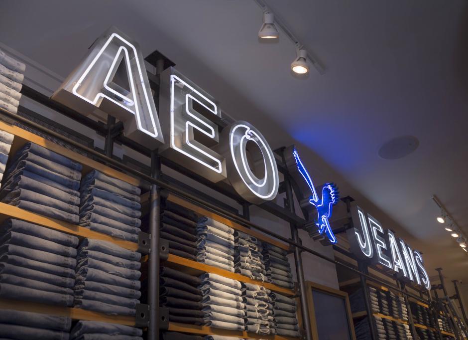 La marca ofrece muchas opciones en pantalones denim (jeans). (Foto: Eddie Lara/Soy502)