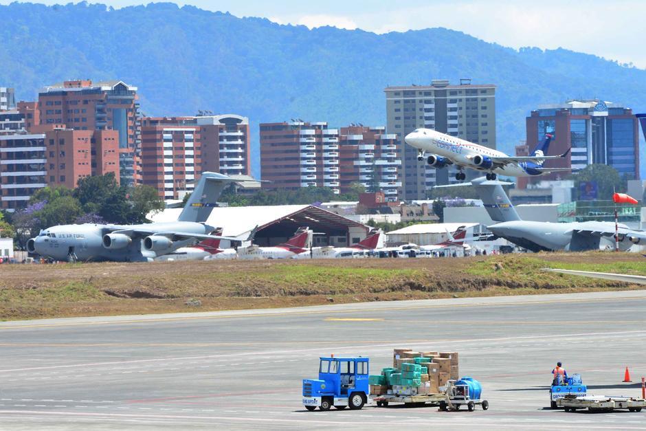 La decisión de cambiar el nombre del aeropuerto está en manos de los diputados. (Foto: Archivo/Soy502)