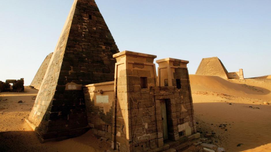 Las pirámides eran usadas como tumbas en las que se daba sepultura a reyes y reinas. (Foto: AFP)
