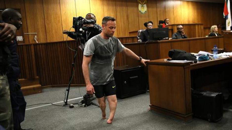 Cuando tenía once meses sus padres decidieron amputar sus piernas desde las rodillas. (Foto: AFP)