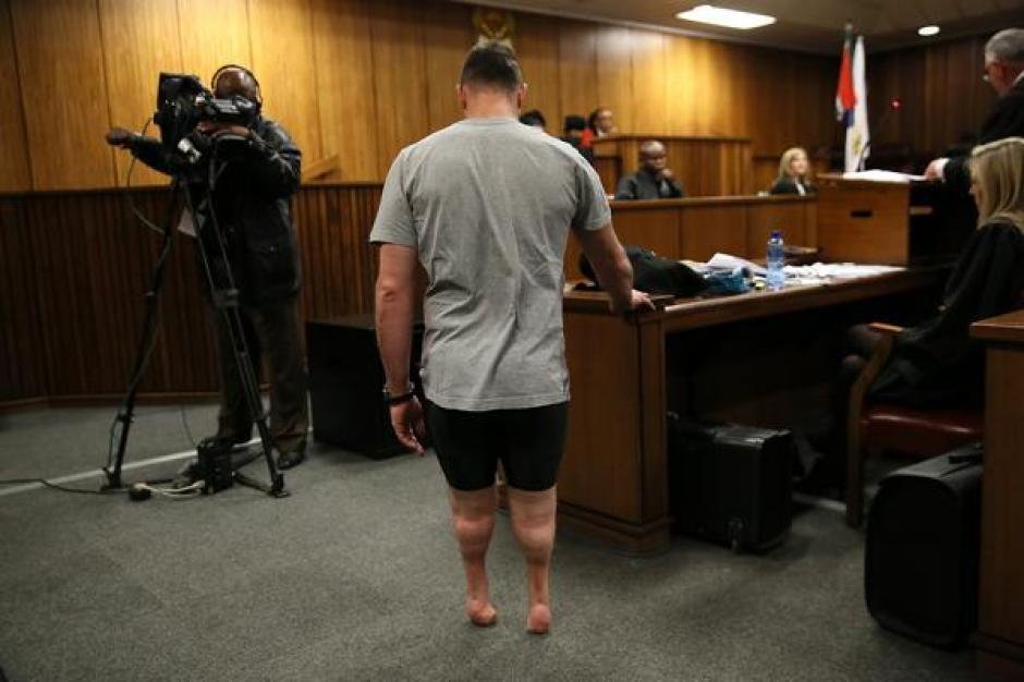 Pistorius es acusado por haber disparado en la noche de San Valentín de 2013 contra su novia. (Foto: AFP)