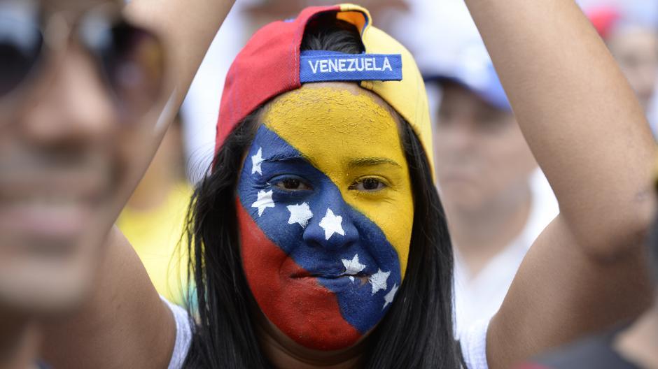 """Los opositores han convocado para que esta noche se unan para hacer """"un gran cacerolazo nacional"""". (Foto: AFP)"""