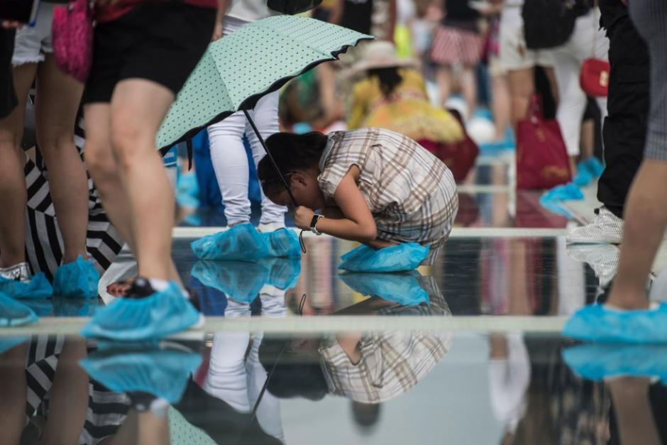 Antes de abrirlo, se realizaron varias pruebas de resistencia. (Foto: AFP)