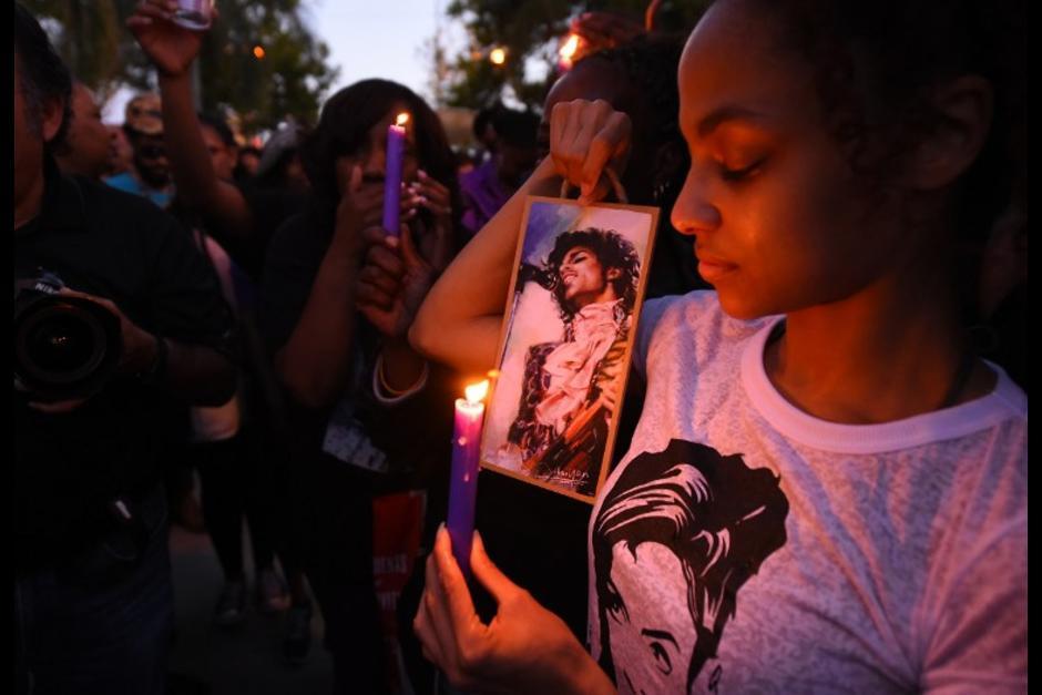 Cientos de personas lloraron su muerte.(Foto: AFP)