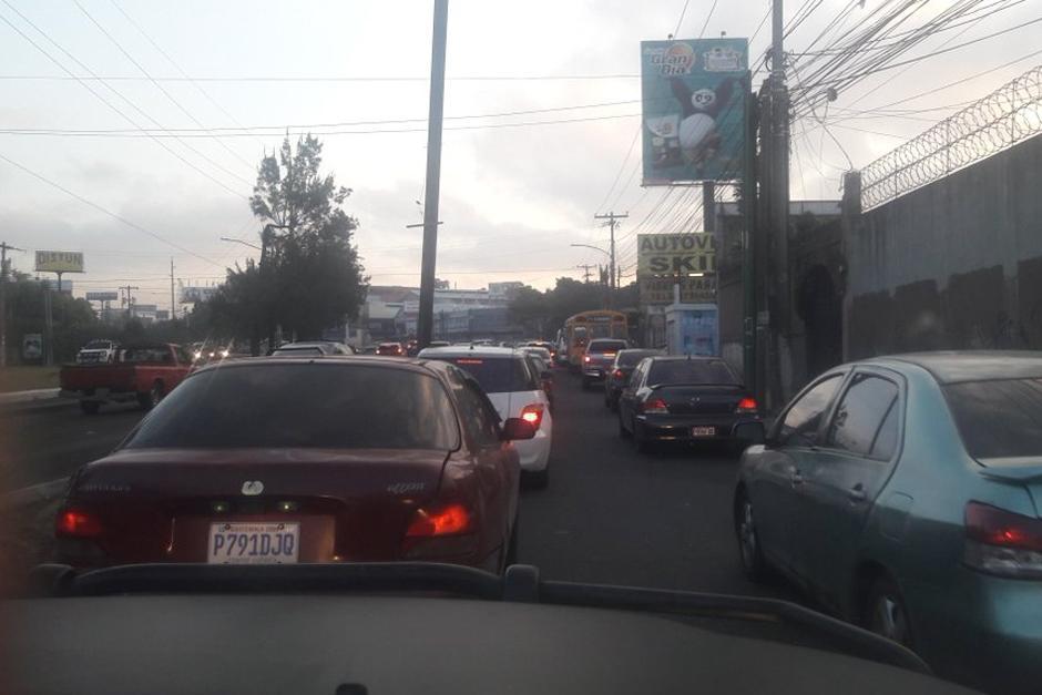 Los automovilistas se han manifestado desesperados debido a que ya acumulan más de una hora de estar varados en diferentes puntos. (Foto: Dalia Santos/PNC Tránsito)