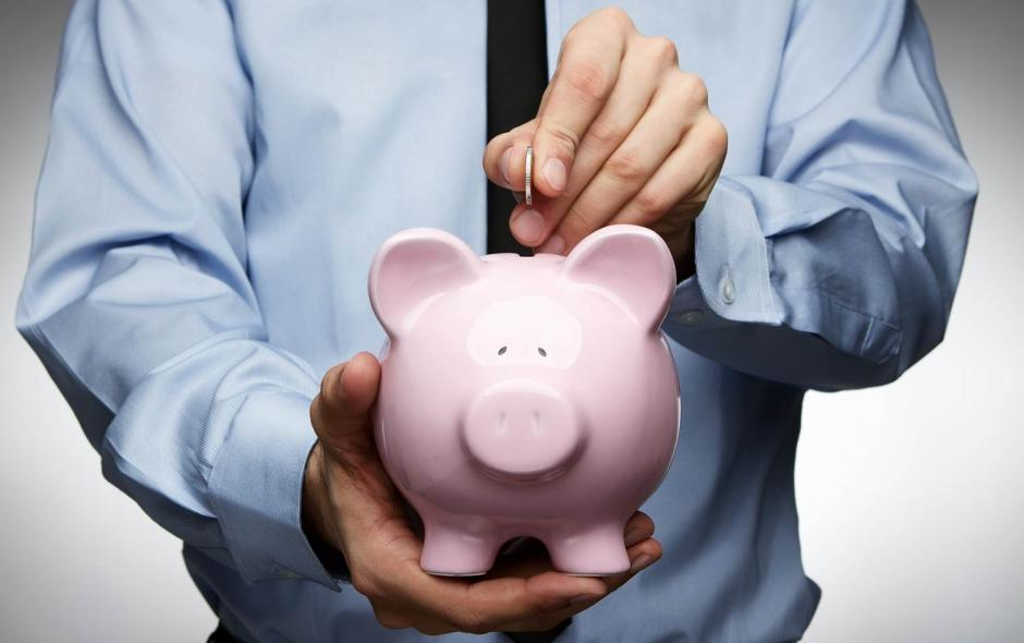 Los expertos recomiendan guardar los ahorros en una cuenta bancaria adicional a la de los gastos frecuentes. (Foto: muypymes.com)