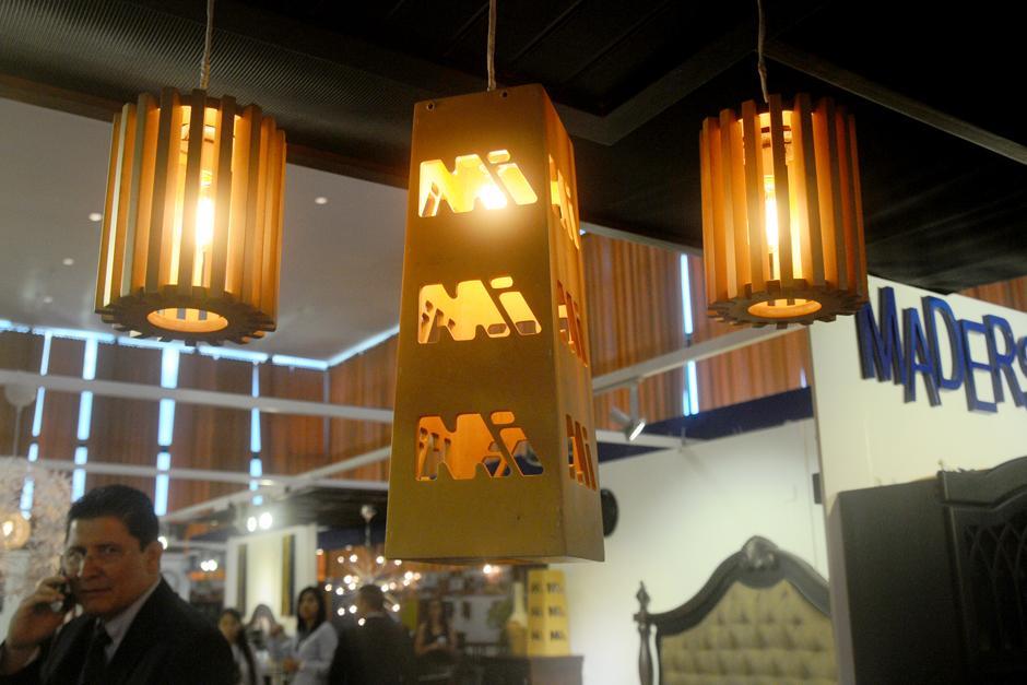 La iluminación también tiene un giro fuera de lo tradicional. (Foto: Alejandro Balán/Soy502)