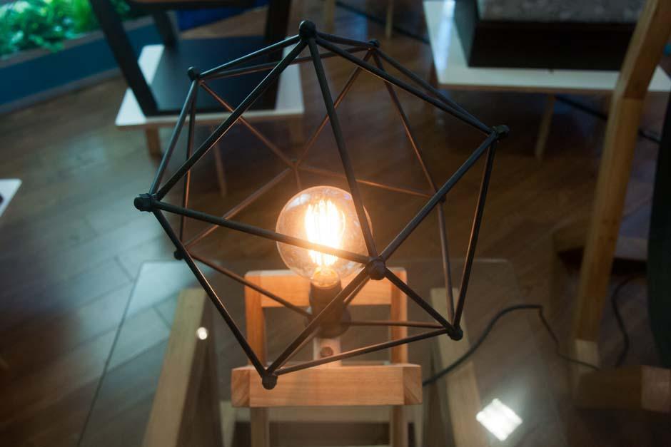 Diseñadores nacionales apostaron por decoración con metales y luces amarillas. (Foto: Alejandro Balán/Soy502)
