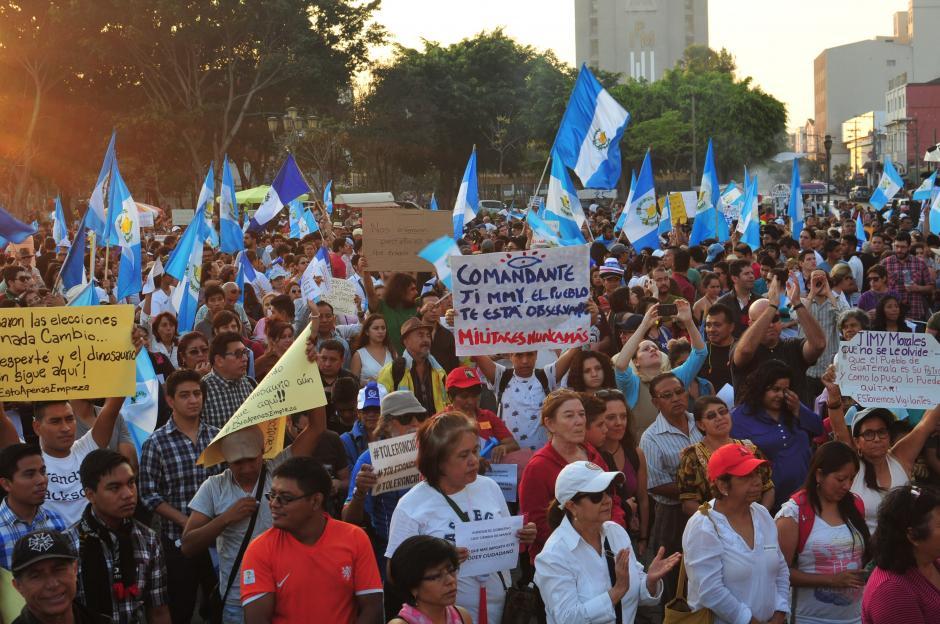 Las personas esperan que la nueva administración de Gobierno no defraude al pueblo.(Foto: Alejandro Balán/Soy502)