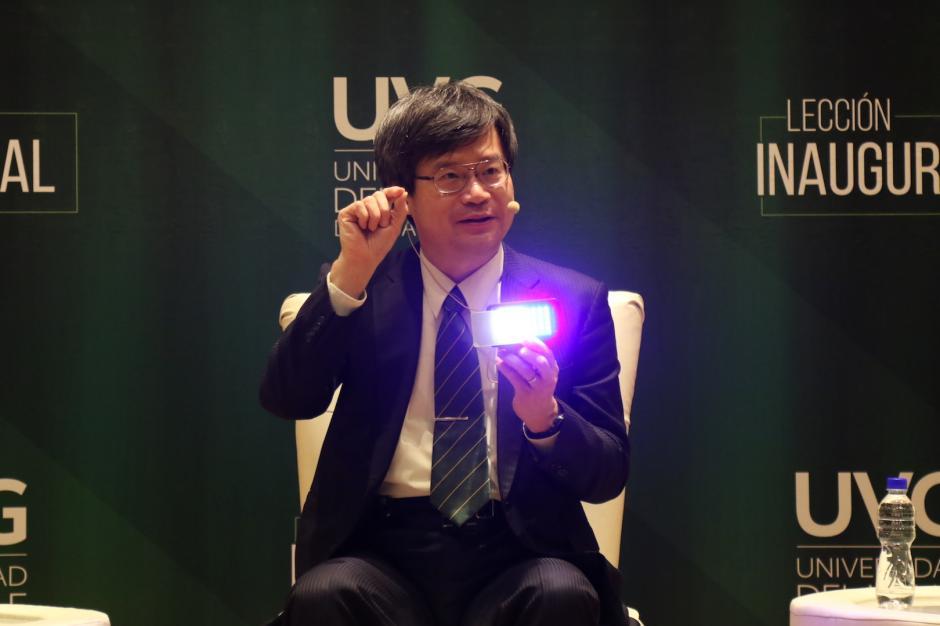 El profesor Hiroshi Amano es un destacado científico japonés. (Foto: Alejandro Balán/Soy502)