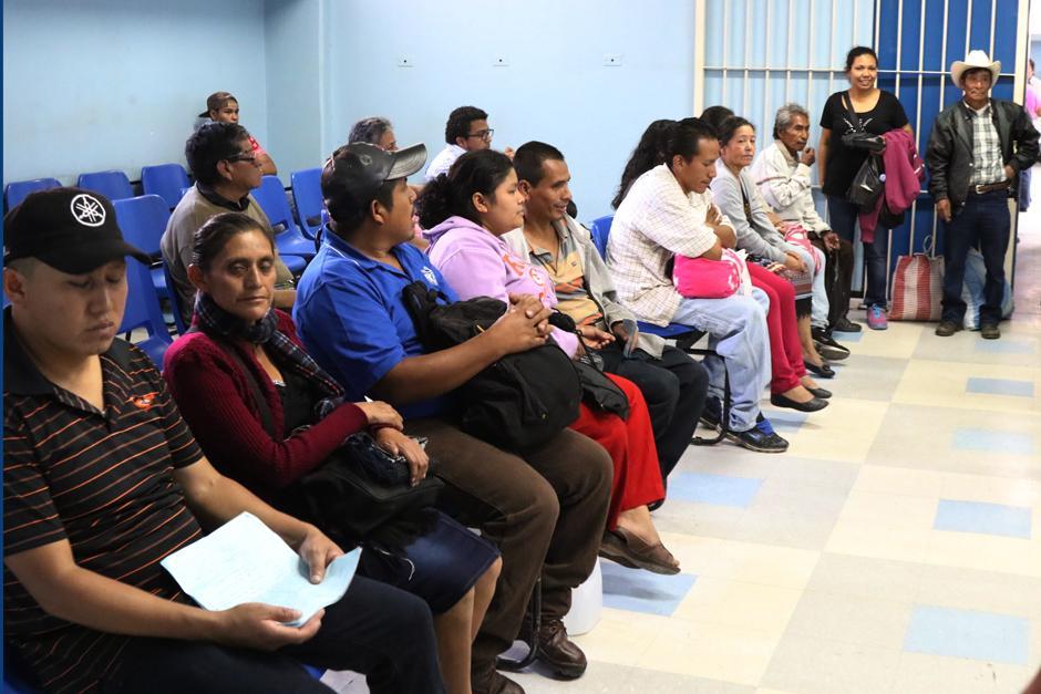Los pacientes dicen estar intranquilos por la presencia de reos. (Foto: Alejandro Balan/Soy502)