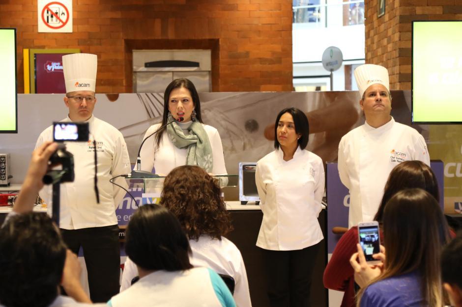 Los organizadores y jueces animaron a los participantes a dar su mejor esfuerzo. (Foto: Alejandro Balán/Soy502)