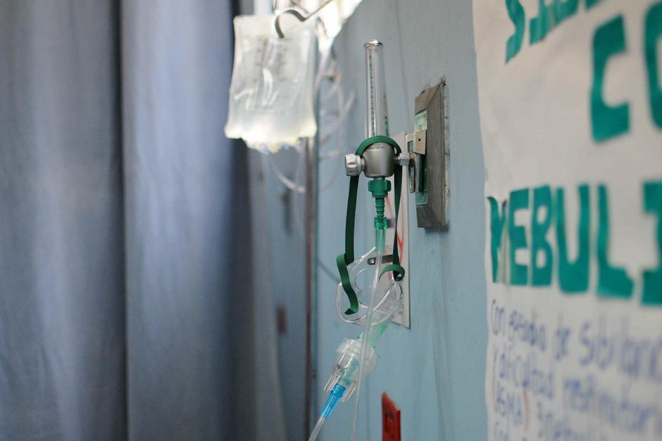 """El Centro de Salud tipo """"A"""" cuenta con oxígeno y área de emergencia. (Foto Alejandro Balán /Soy502)"""