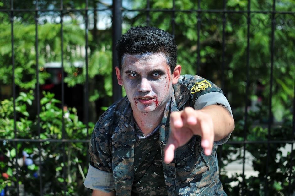 Maquillajes escalofriantes se pudieron ver en la actividad. (Foto: Alejandro Balam/Soy502)