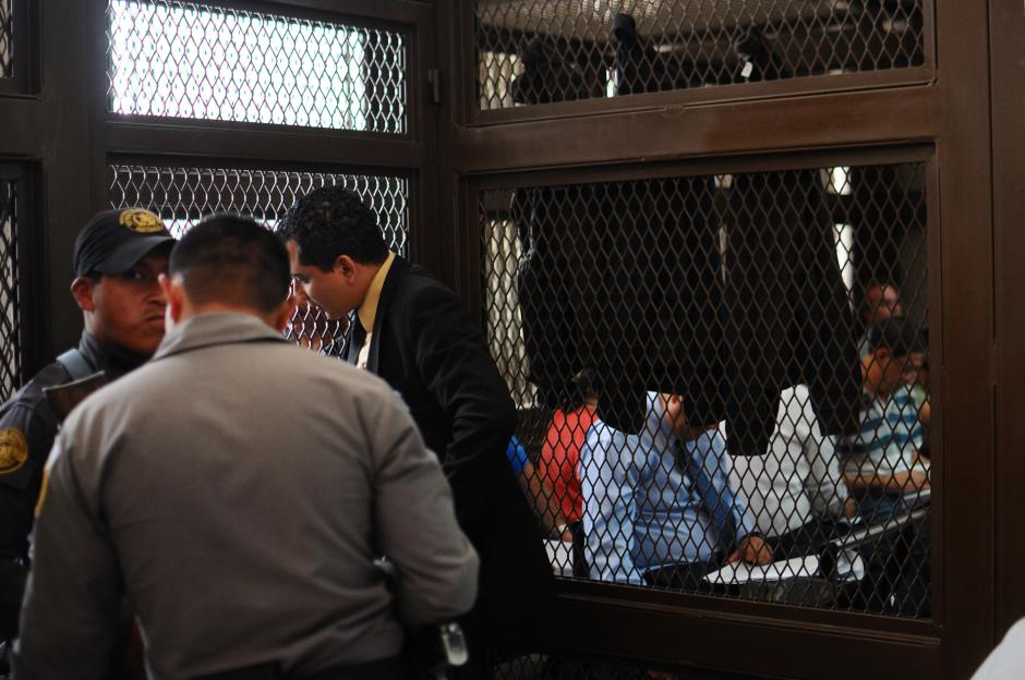 Los guardias del Sistema Penitenciario y del Organismo Judicial no impidieron la medida. (Foto: Alejandro Balán/Soy502)