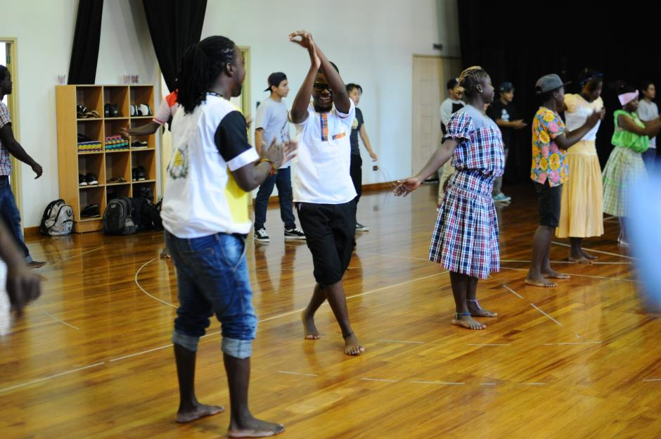 El primer taller de hip hop se realizó con jóvenes de Livingston y Sololá. (Foto: Alejandro Balán/Soy502)