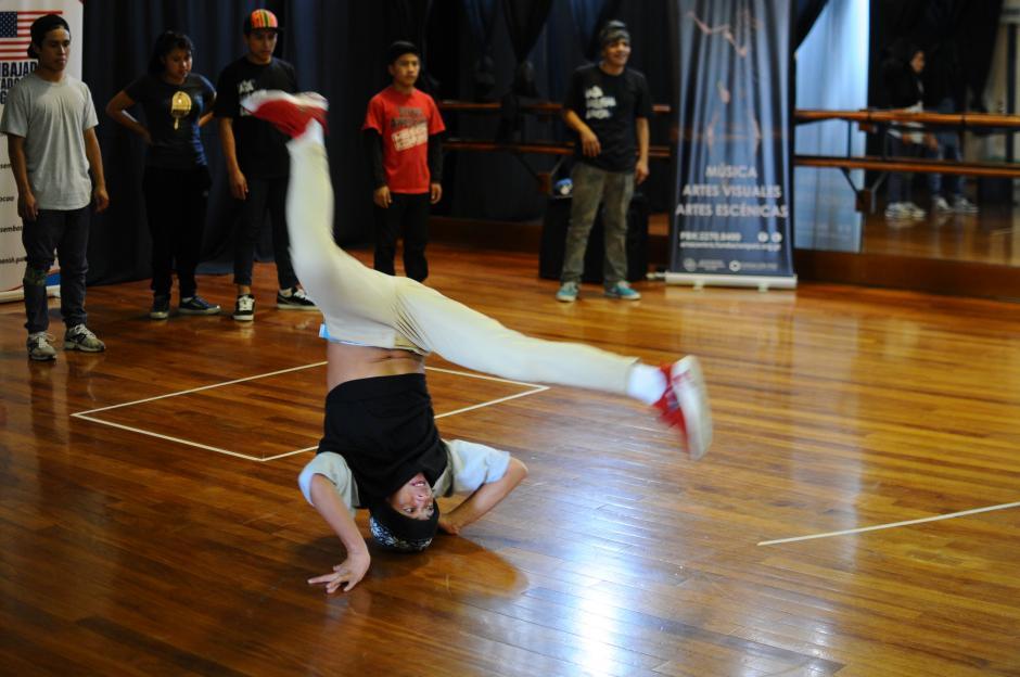 El break dance es un estilo de baile urbano que forma parte de la cultura del hip hop. (Foto: Alejandro Balán/Soy502)