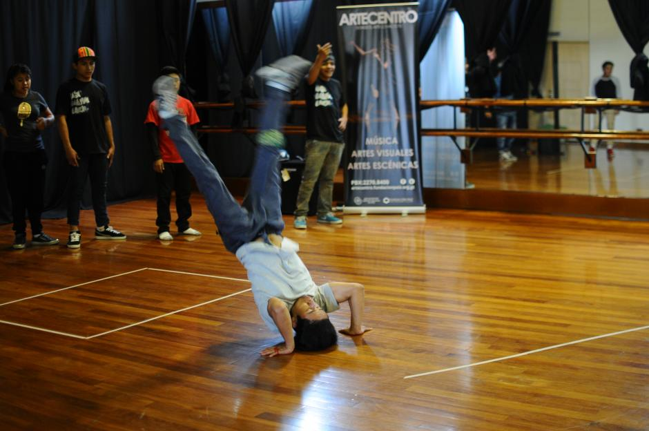El taller se realiza con el fin de alejar a los jóvenes de los vicios y la violencia. (Foto: Alejandro Balán/Soy502)