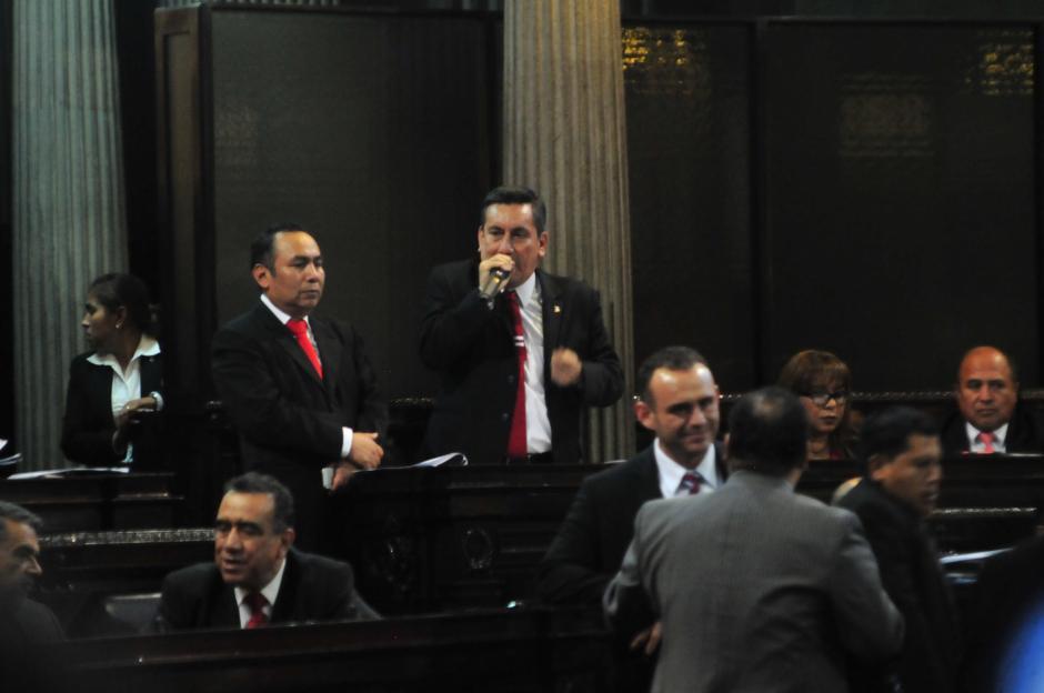 Por su parte, Roberto Villate, de Lider, explicó que el Congreso había aprobado una buena ley. (Foto: Alejandro Balán/Soy502)