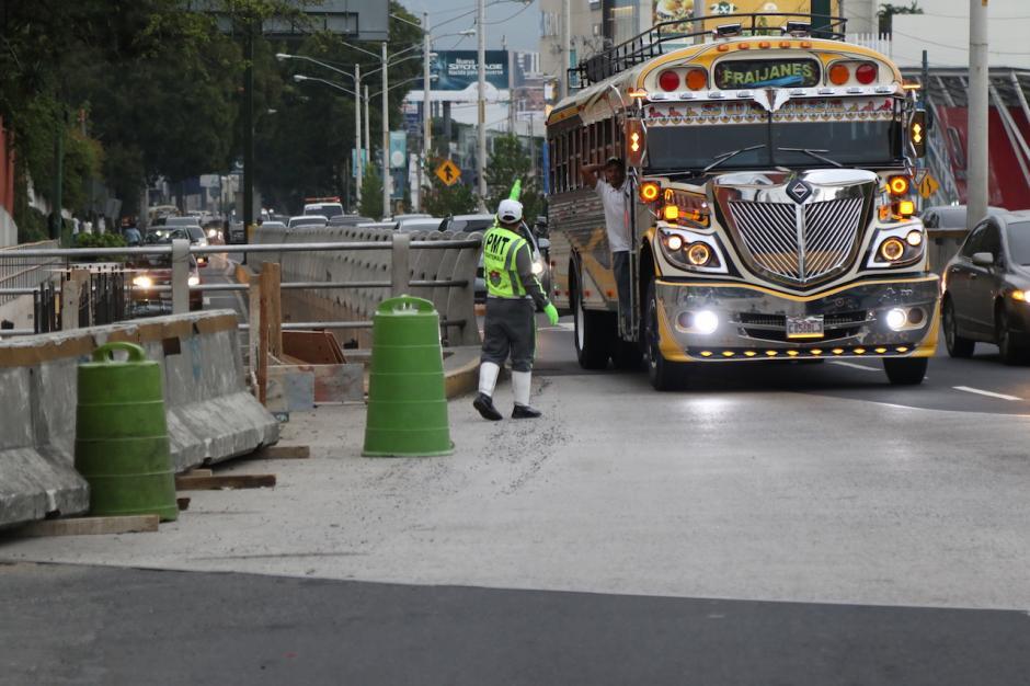 Desde este lunes la PMT cerró la 27 avenida y bulevar los Próceres. (Foto: Alejandro Balán/Soy502)