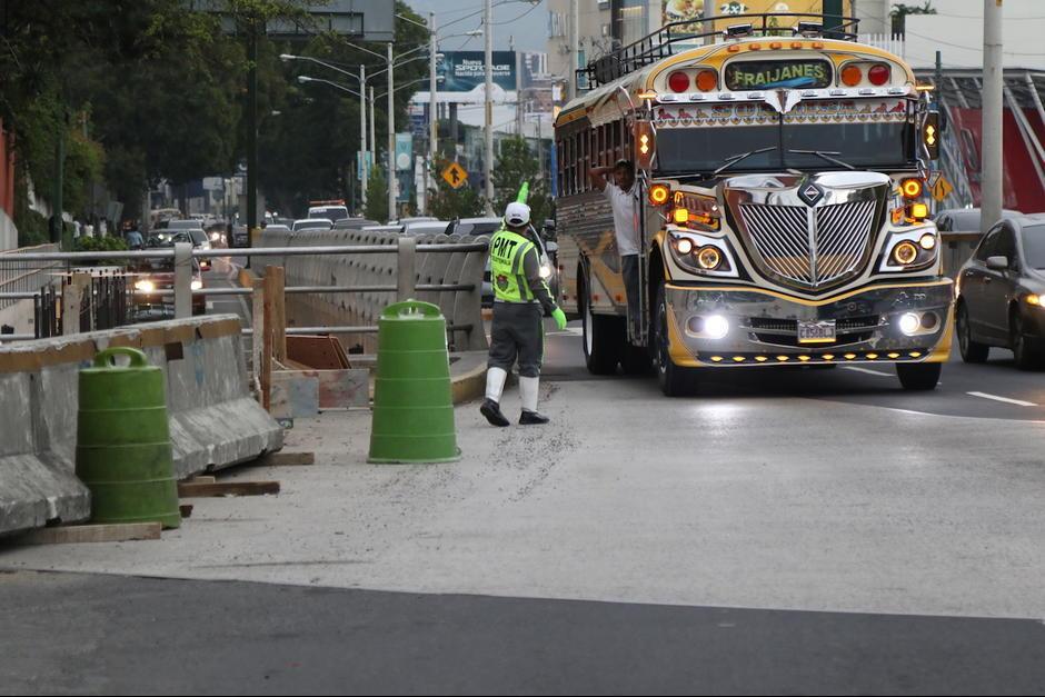 Los conductores que van sobre Los Próceres no podrán virar hacia la 27 avenida. (Foto: Archivo/Soy502)
