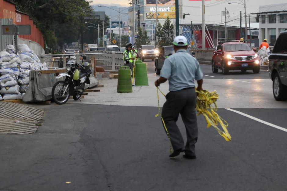 A las 17 horas se inició el cierre de la vía. (Foto: Alejandro Balán/Soy502)