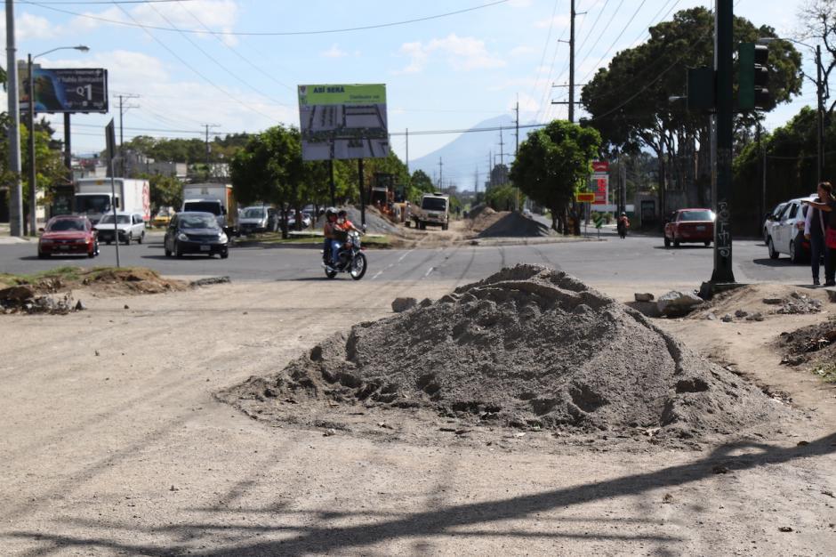 Debido al cambio de pavimento a concreto en la pista de la calzada Atanasio, habrá un desvío por dos semanas. (Foto: Alejandro Balán/Soy502)