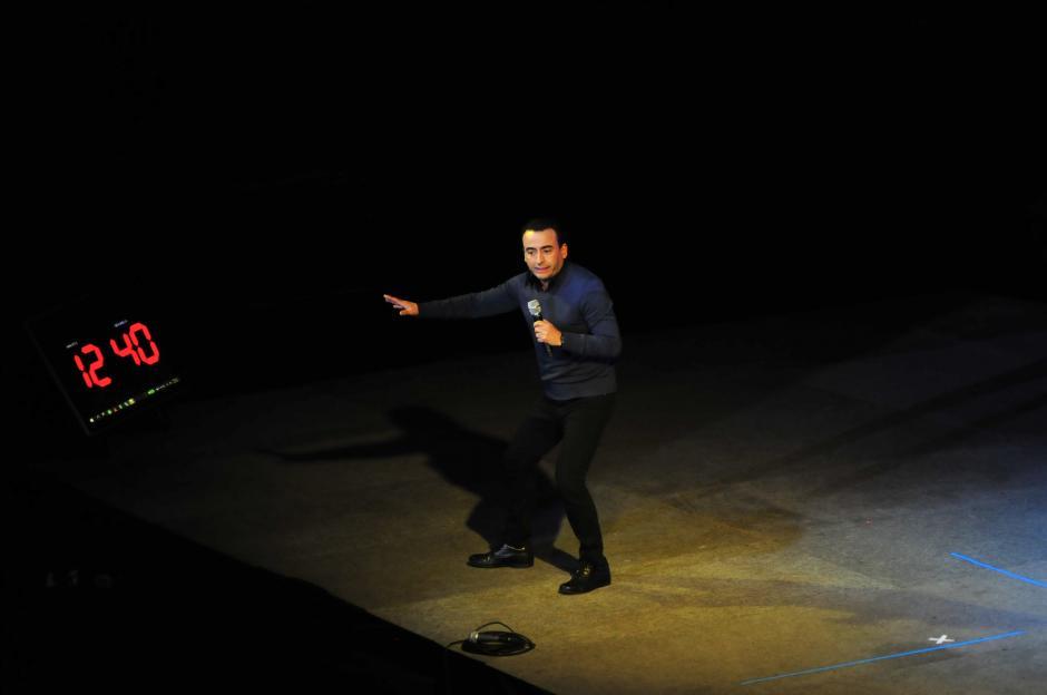 El show, que empezó con una hora de retraso, dejó un buen sabor de boca a los asistentes que no pararon de reír. (Foto: Alejandro Balán/Soy502)