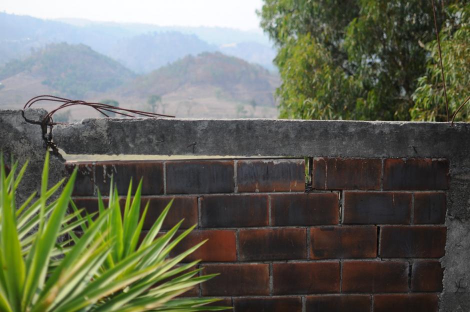 Las lluvias y los últimos sismos han empeorado la situación en el residencial. (Foto: Alejandro Balán/Soy502)
