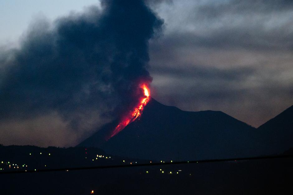 Esta erupción es la cuarta en lo que va del año (Foto: Alejandro Balán/Soy502)