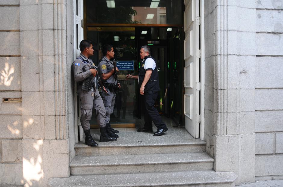 Durante el arresto de Castillo se encontraron Q2.9 millones en efectivo, dinero que fue contado este jueves. (Foto: Alejandro Balan/Soy502)