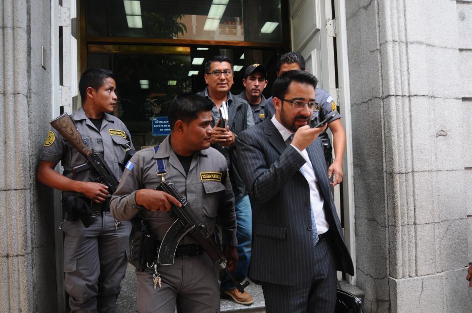 Alfonzo Castillo, exintendente de Jurídico de la SAT, fue citado por el Ministerio Público. (Foto: Alejandro Balán/Soy502)