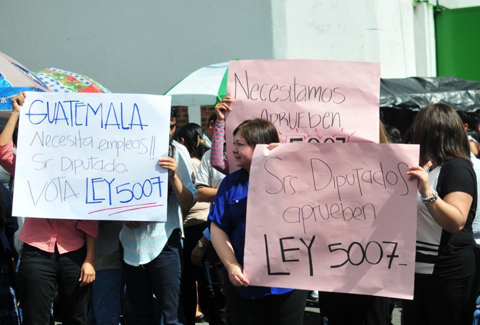 La manifestaciones se ubicaron en la Avenida Petapa, en la calzada Roosevelt y en las rutas al Pacífico y al Atlántico. (Foto: Alejandro Balán/Soy502)