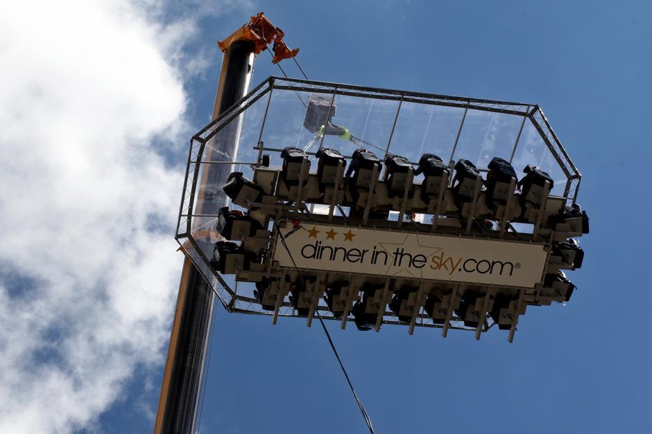 """""""Dinner In The Sky"""", una experiencia culinaria a 45 metros de altura. (Foto: Alejandro Balán /Soy502)"""