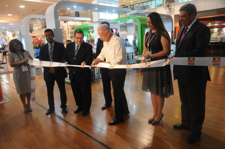 Álvaro Arzú inauguró la treceava edición de Expocasa (Foto: Alejandro Balán/Soy502)